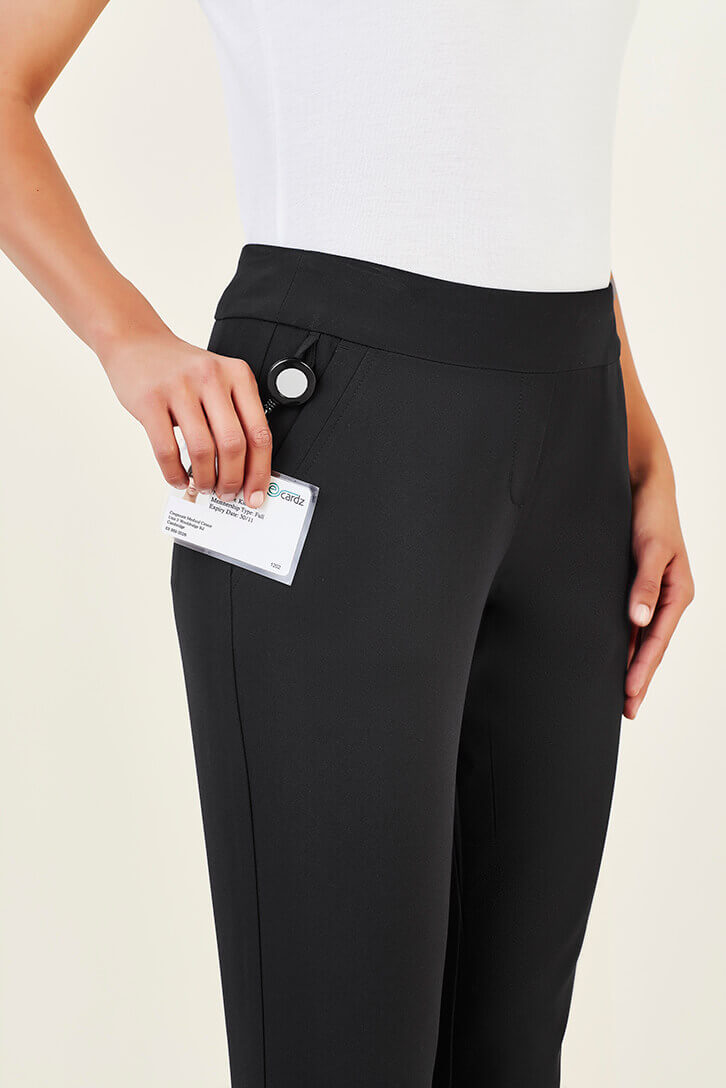 CL040LL_Black_pocket