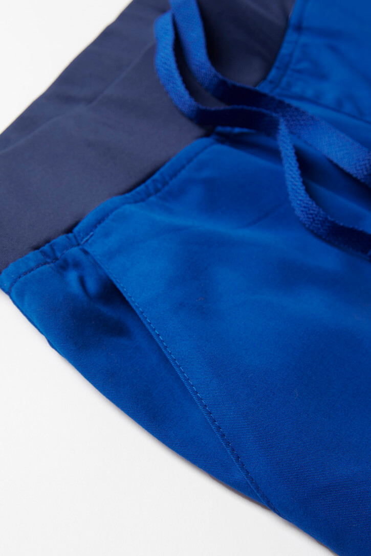 CSP042LL_ElectricBlue_front-pocket